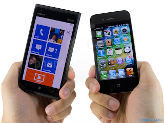 Nokia-Lumia-900-vs-Apple-iPhone-4S