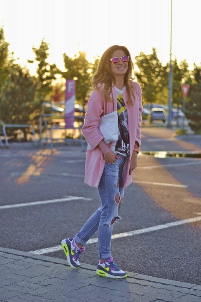 abrigo rosa deportivas