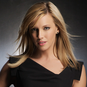 Katie Cassidy Hair Styles