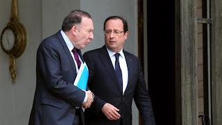 Le président du Medef, Pierre Gattaz (à G.), et le président de la République, François Hollande