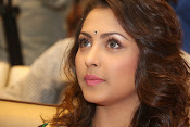 Madhu Shalini gorgeous looking photos-thumbnail-14