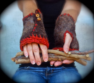 https://www.etsy.com/listing/166983780/felt-fingerless-gloves-deep-orange?ref=shop_home_feat