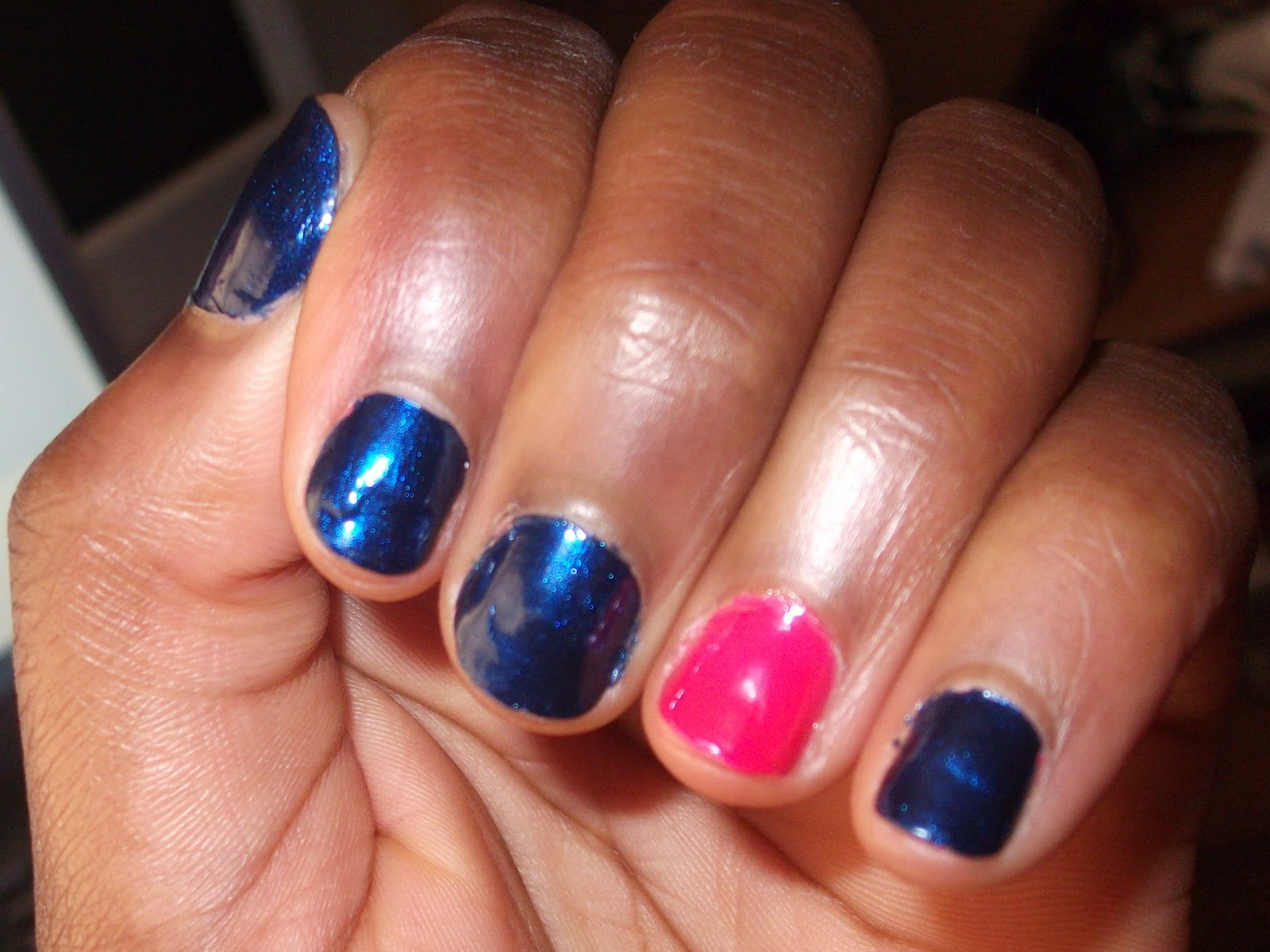 UNITED IN FASHION : SHOW ME ... those BEAUTIFUL nails !