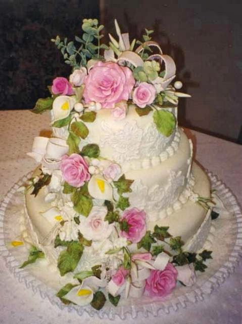 Cake Art Flowers : Wedding Cake Flowers Decorations - Tyler Living