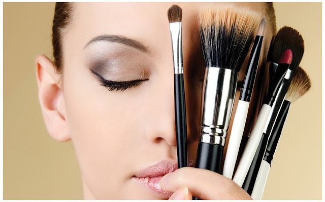 Use Brushes For Applying Makeup