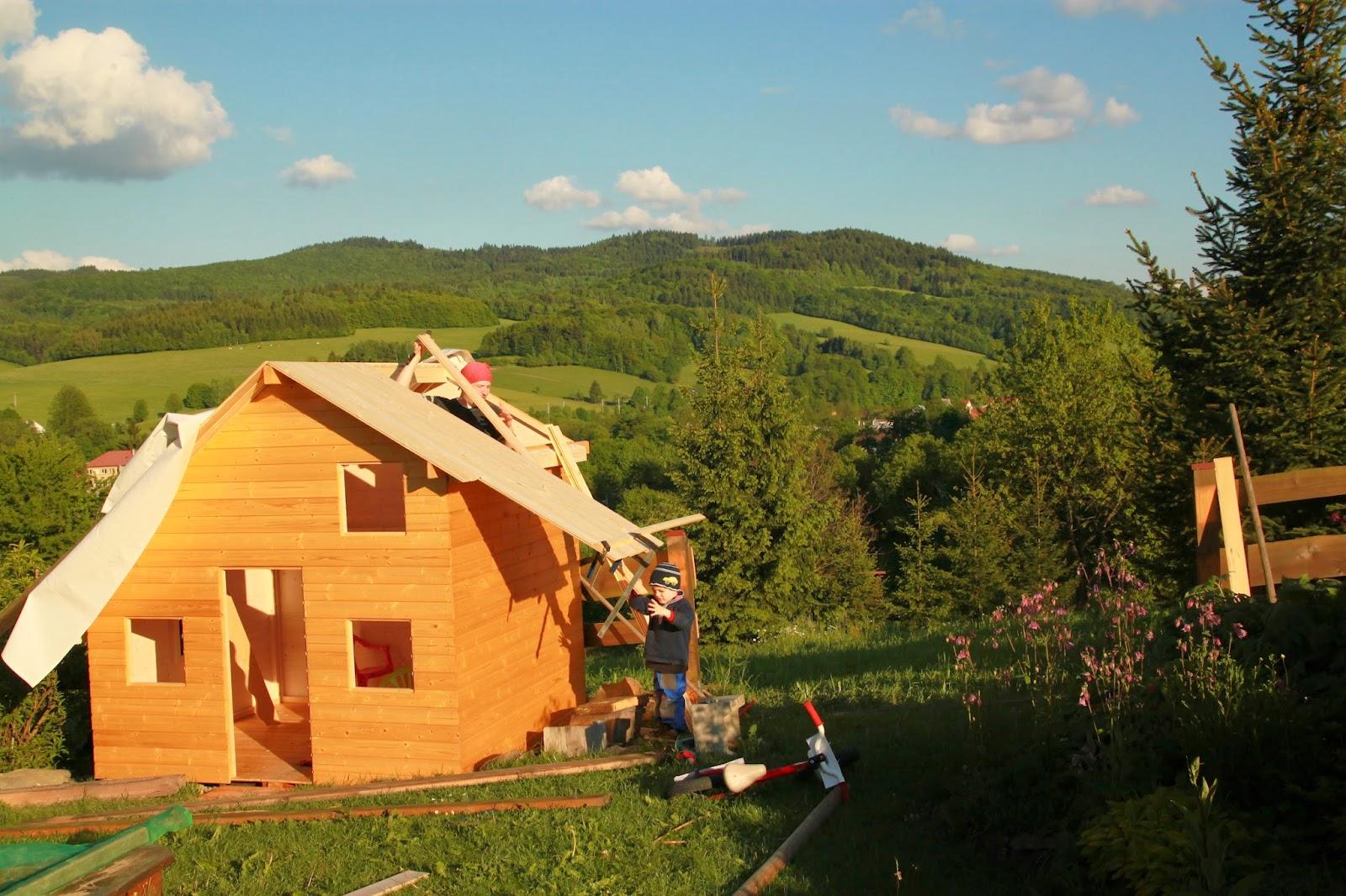 pokládání střechy
