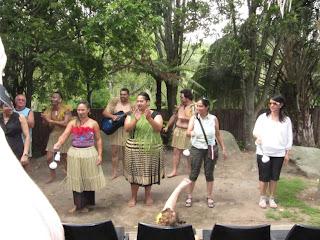 Maori poi