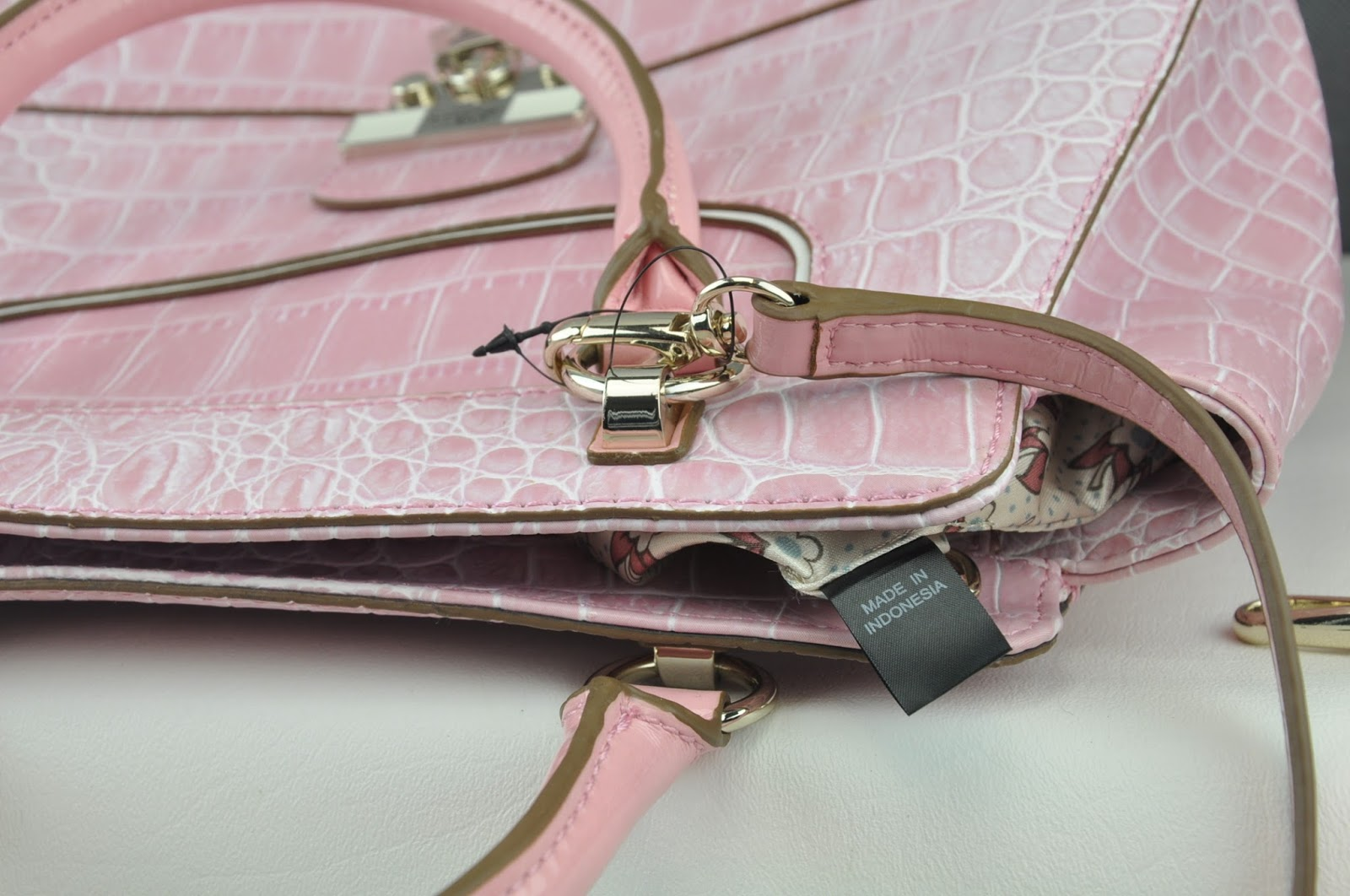 LOVE Everything About GUESS Products !: How to Spot Fake ...