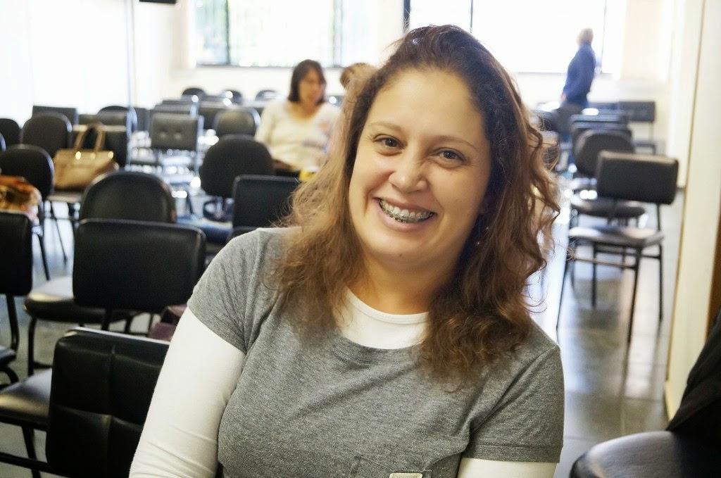 A professora Elaine Cristina foi uma das que apresentaram relatos positivos sobre o programa
