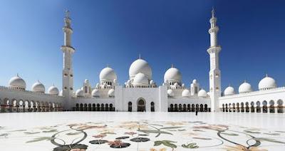 """<a href="""" http://3.bp.blogspot.com/-QK2ttLEWBFY/USNIbarr4zI/AAAAAAAAB8Q/6YMY1O7AvTQ/s400/Masjid+Termegah+dan+Terbesar+di+Dunia3.jpg""""><img alt=""""Tempat beribadah umat islam, Masjid Termegah dan Terbesar di Dunia, Masjid Sheikh Zayed di Uni Emirat Arab"""" src="""" http://3.bp.blogspot.com/-QK2ttLEWBFY/USNIbarr4zI/AAAAAAAAB8Q/6YMY1O7AvTQ/s400/Masjid+Termegah+dan+Terbesar+di+Dunia3.jpg""""/></a>"""