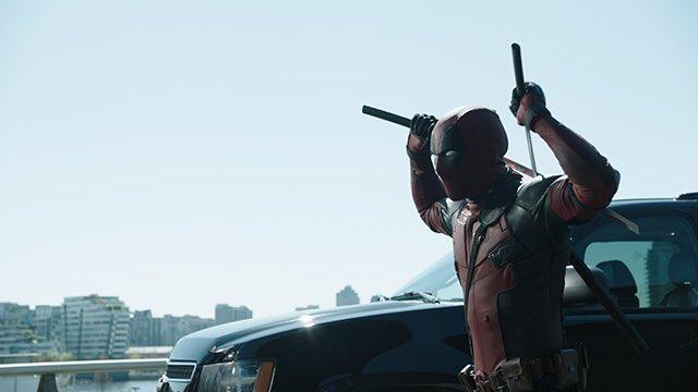 El Mercenario está ahí fuera... 'Deadpool' parodia 'Expediente X'
