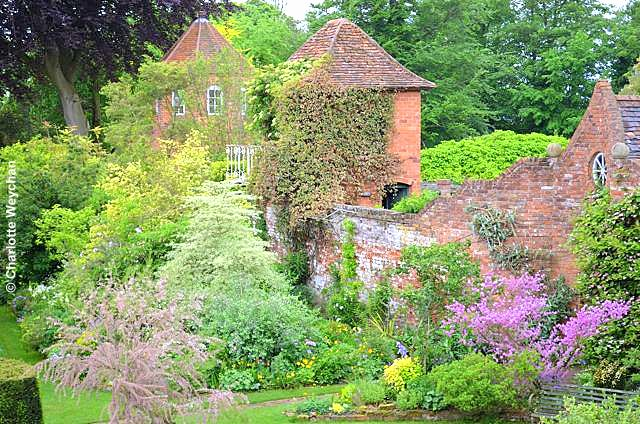 When small is stunning stone house cottage worcestershire the stone house cottage garden and adjoining nursery opens four days a week to the public from march through to the beginning of september workwithnaturefo