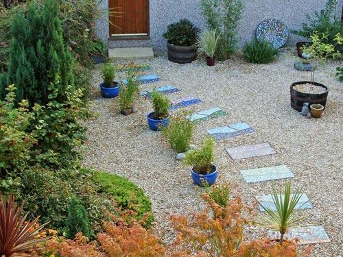 In en om die huis tuin paadjie van mosaiek for Klein tuin uitleg
