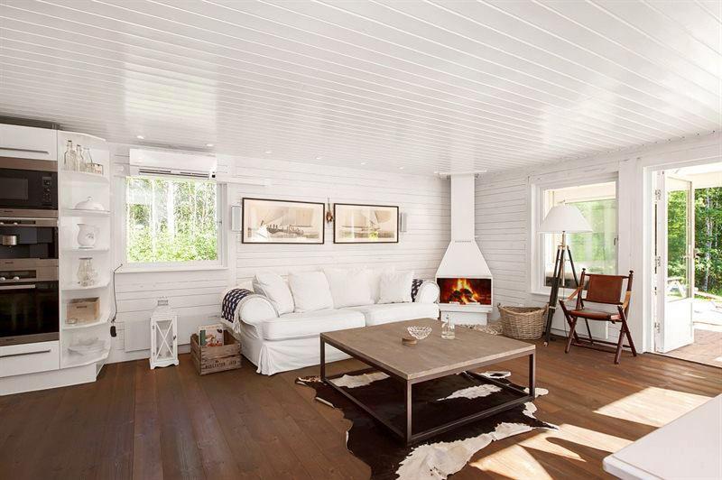 Estilo rustico casa rustica de madera en suecia - Casas de madera blancas ...