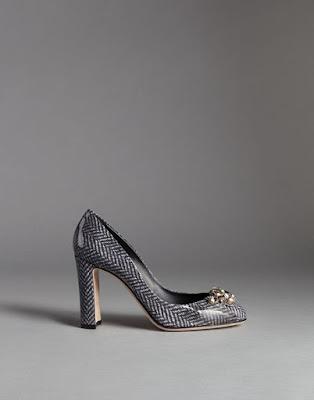 gray chevron print block heel pumps