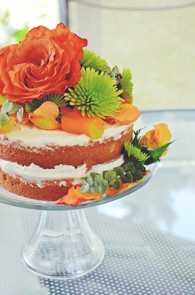 boho cake with flowers