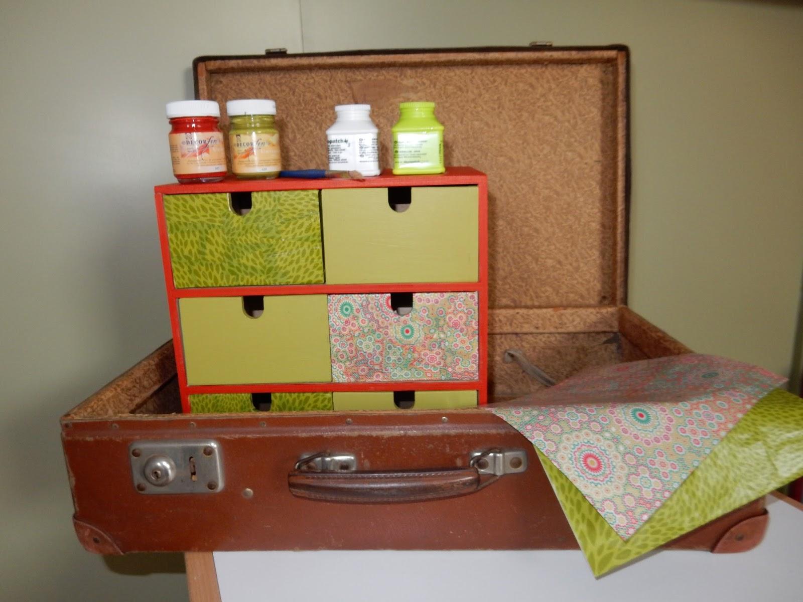 les petites valises petite valise d co la petite. Black Bedroom Furniture Sets. Home Design Ideas