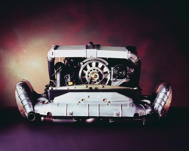 3.6-litre flat-six engine with turbocharger; Porsche 911 Turbo (993); 1996