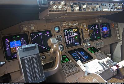 Simulando o voo BA0247: de Heathrow a Guarulhos no Boeing 747  Cockpit+United