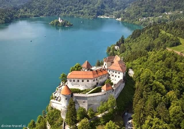 BLED CASTLE (BLEJSKI GRAD) - LAKE BLED IN SLOVENIA