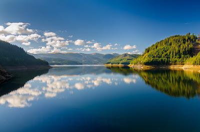 Lacul barajului Vidra - Centru