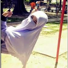 muslimah solehah, insyaAllah ♥
