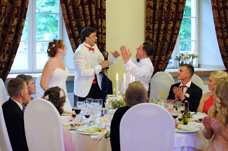 parodijos teatras per vestuves