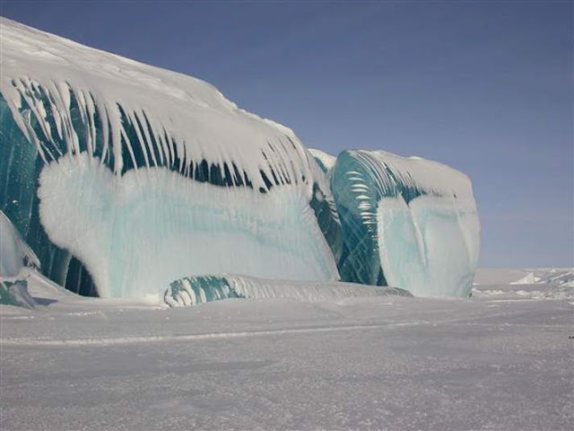 Frozen Tidal Wave in Antarctica