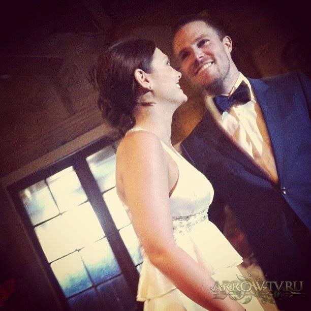 arrow immagini del secondo matrimonio tra stephen amell