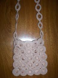 Blusas con detalles de argollitas tejidas al tono de la prenda o en