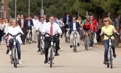 Rajoy, Aguirre y Cifuentes en bici