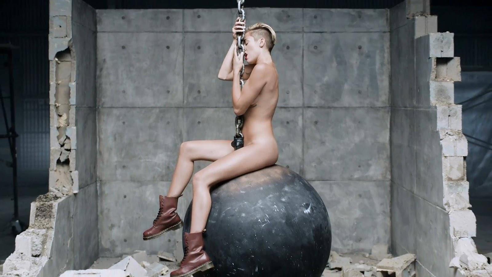Miley Cyrus y sus fotos desnuda no aptas para