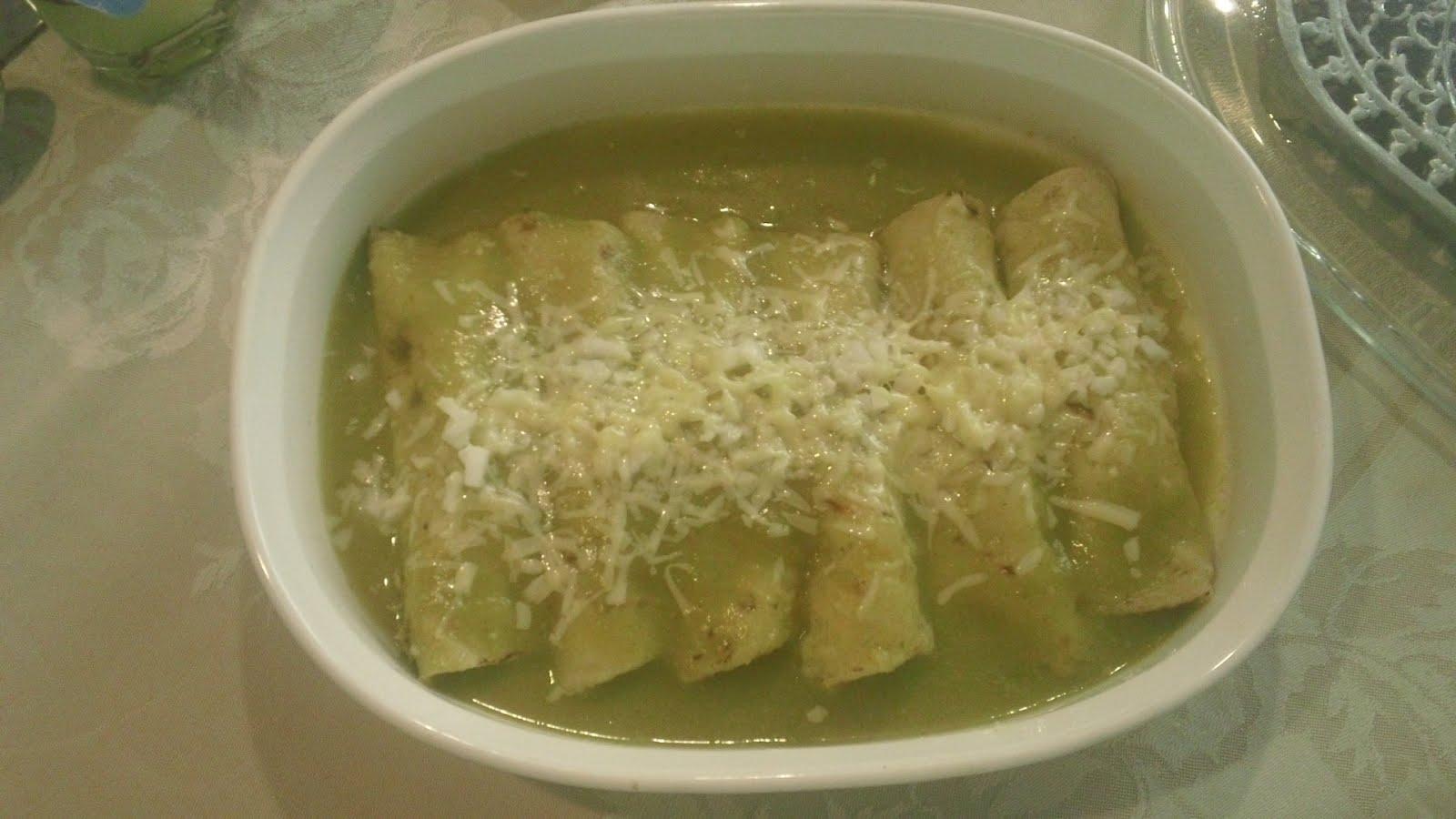 chicken enchiladas verdes recipe simplyrecipes com enchiladas verdes ...