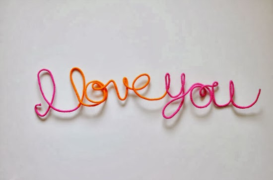 http://mycakies.com/2014/01/diy-i-love-you-yarn-sign/