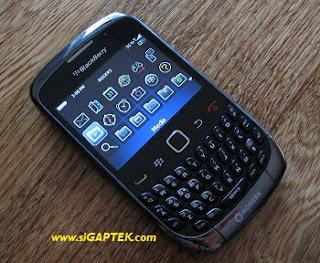 harga BlackBerry Curve 3G 9300, spesifikasi dan fitur ungghulanm BlackBerry Curve 3G 9300, apa kelebihan BlackBerry Curve 3G 9300