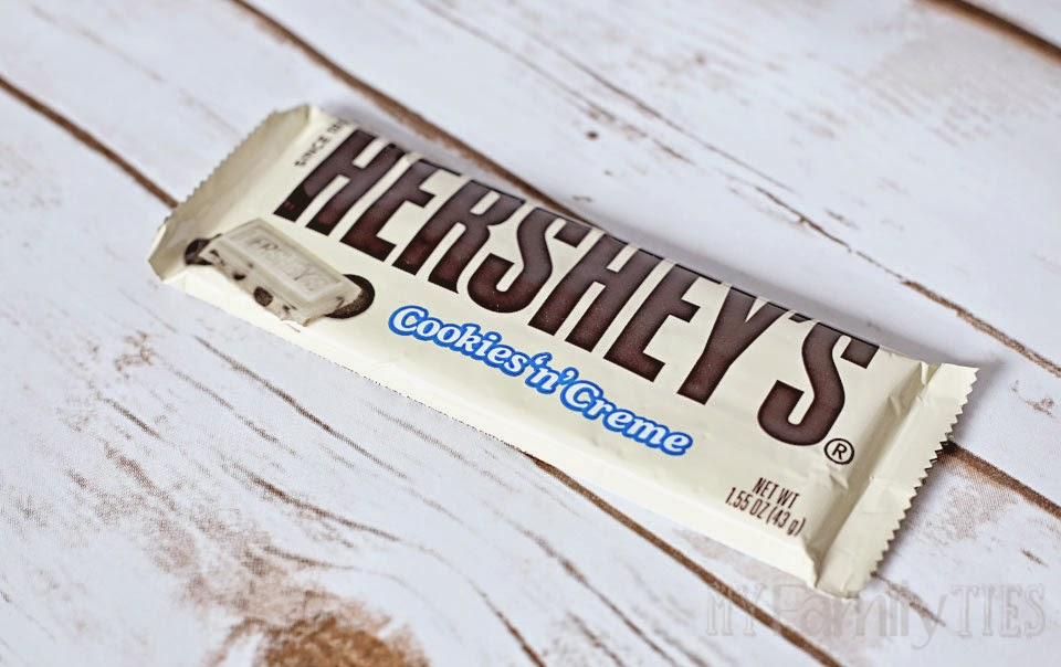 A Hershey's Cookies 'n' creme bar