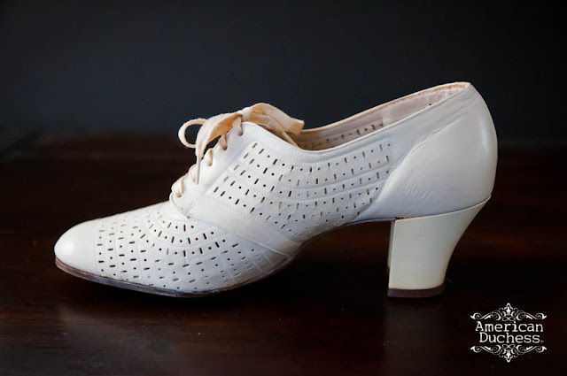Vintage Nurse Shoes 108