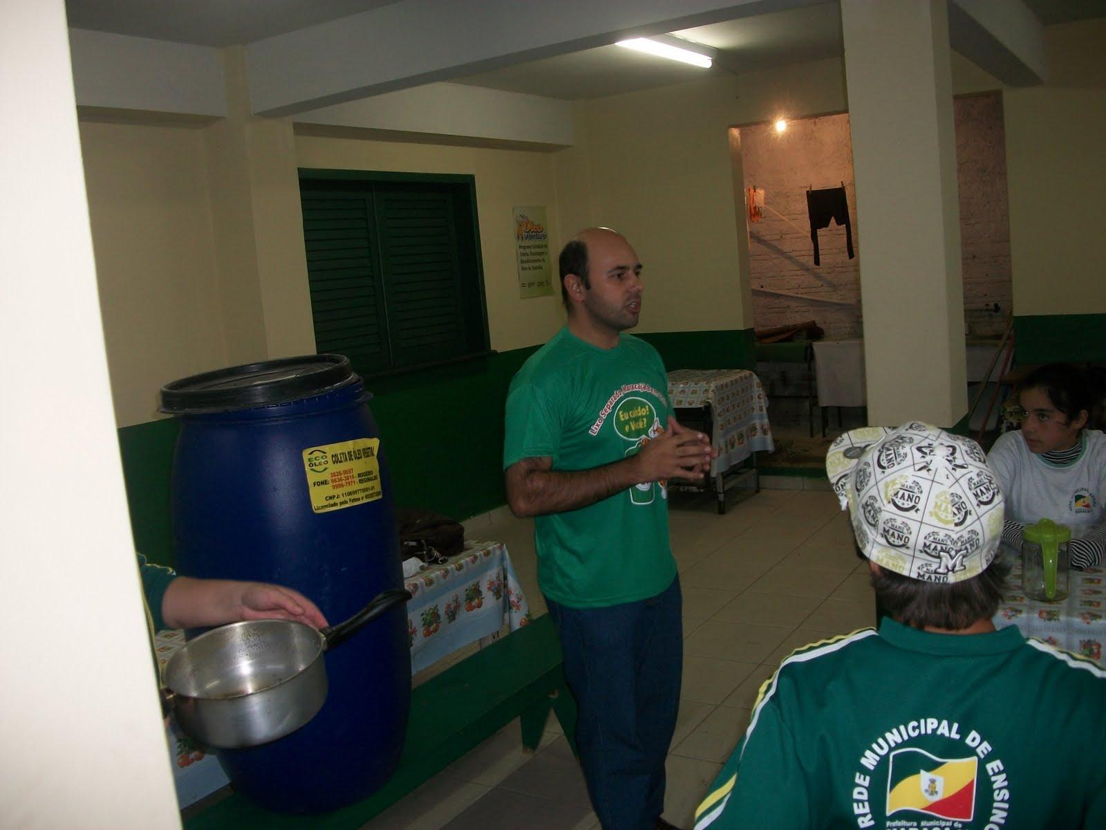 Maracajá SC: Reciclagem do óleo de cozinha é tema do projeto de  #305945 1600 1200
