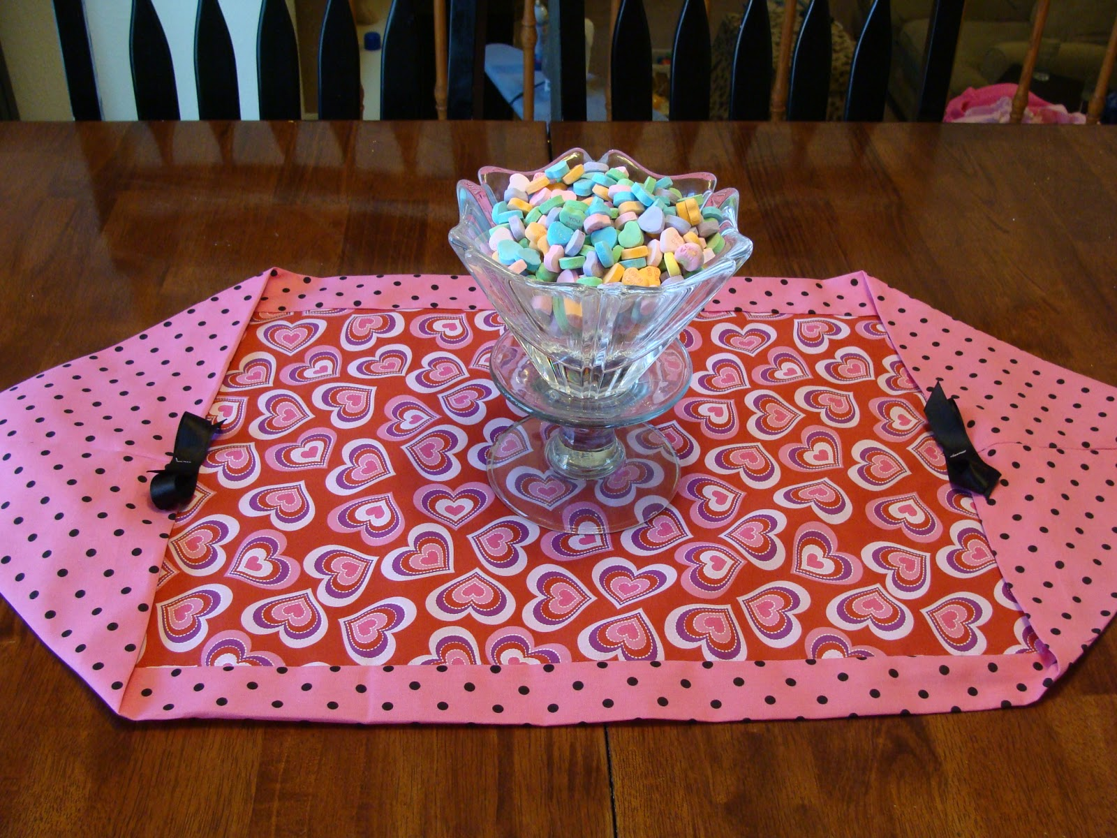 Striving for elegance 14 days of valentines day 8 10 for 10 minute table runner directions