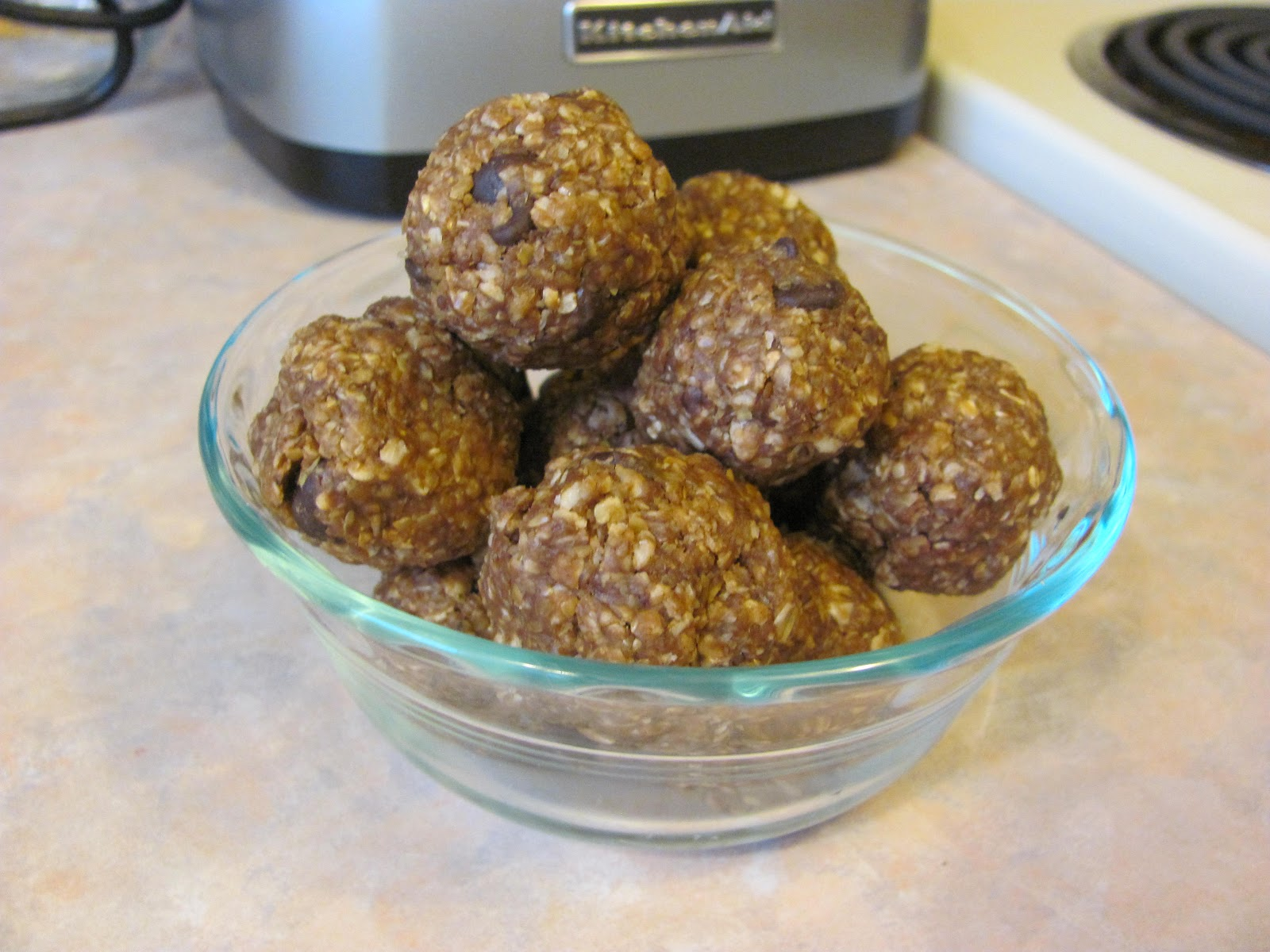 The Jolly Green Giant: Healthy No Bake Cookies Recipe: Energy Bites
