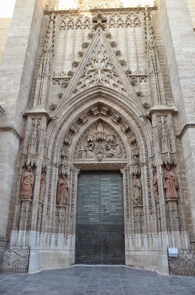 Puerta del nacimiento - Catedral - Sevilla