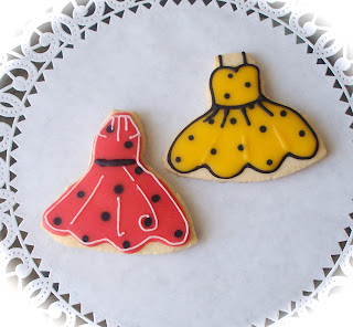 beautiful food gifts for wedding: fashion cookies
