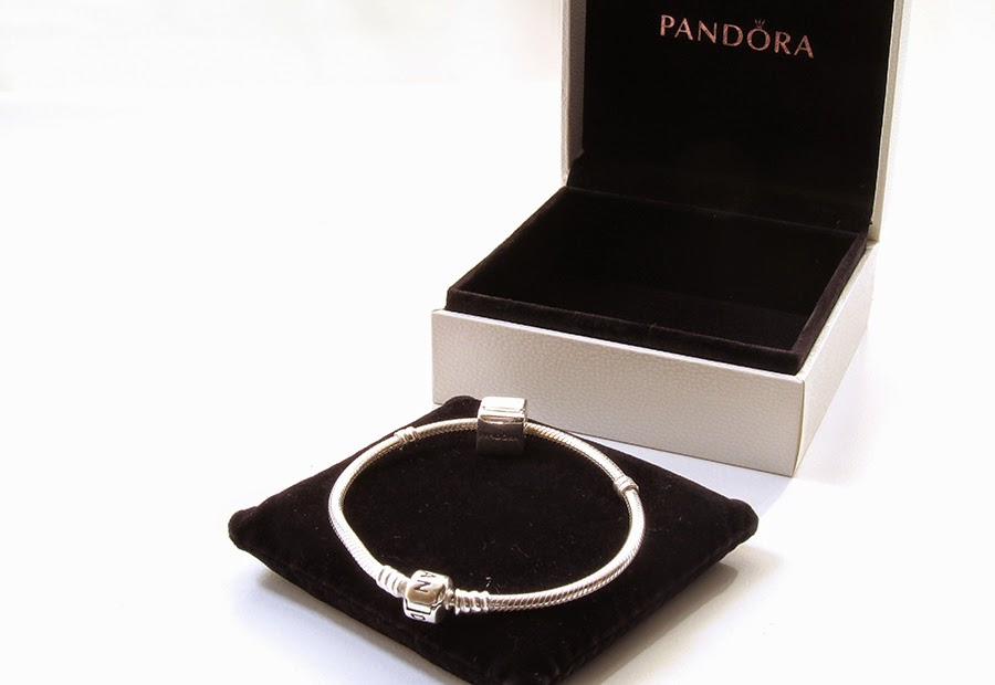 pandoras box essay The majority of definitions give the same meaning - pandora's box is a synonym for a source of extensive but unforeseen troubles or problems are there any other metaphors with the same meaning.