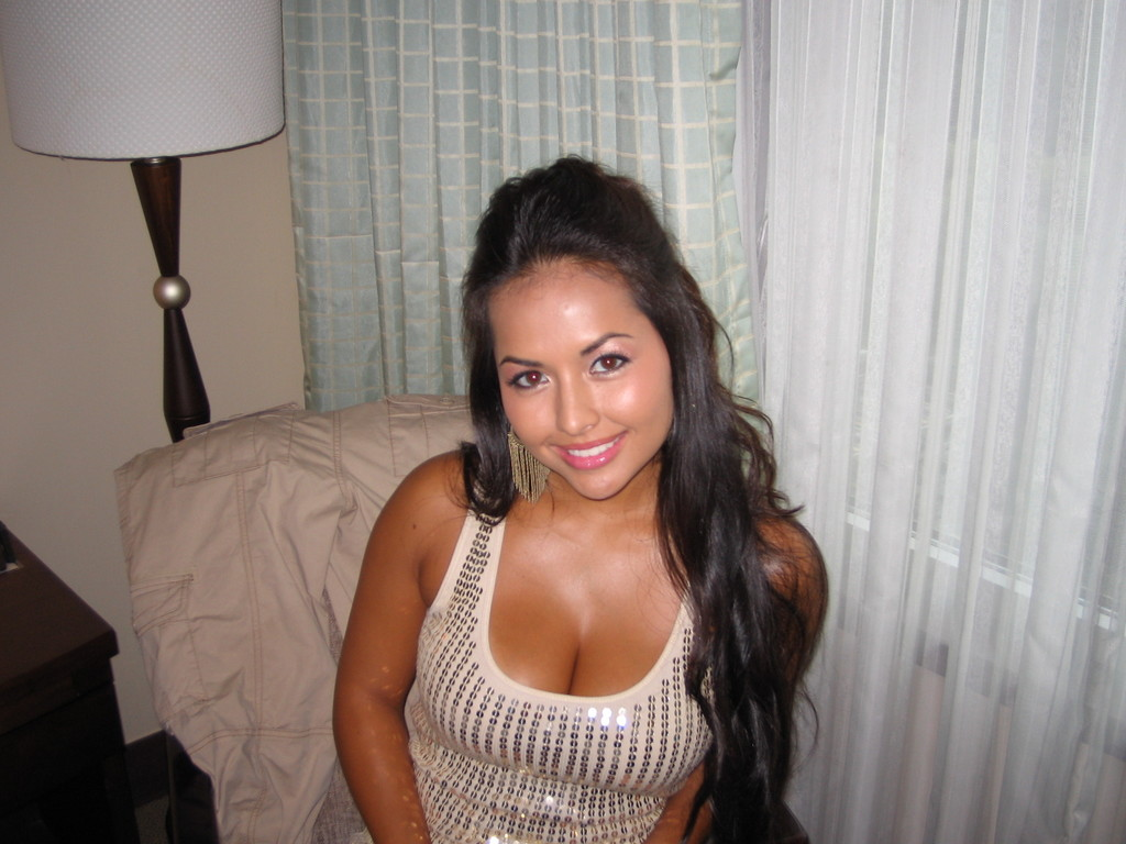 sexy asian boob cleavage pics 02