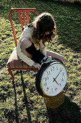 """""""Todo tiene su tiempo, y todo lo que se quiere debajo del cielo tiene su hora."""""""