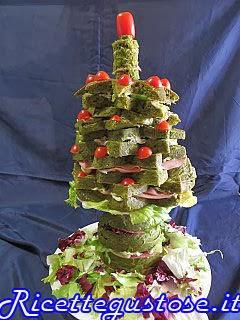 http://www.ricettegustose.it/Antipasti_vari_html/Albero_di_Natale_con_panettone_gastronomico_agli_spinaci.html