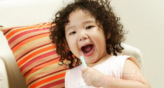 Apa Penyebab Gigi Anak Rusak, Keropos, Hitam Dan Berlubang