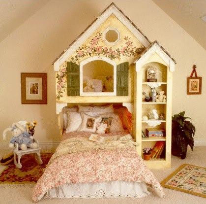 Cama infantil en forma de casita