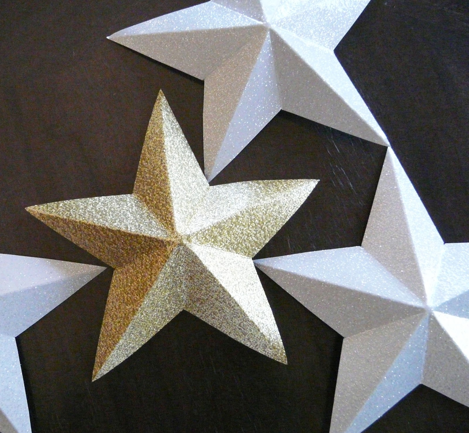 My stars will be 1-sided since they will decorate a wall, but 2 halves ...