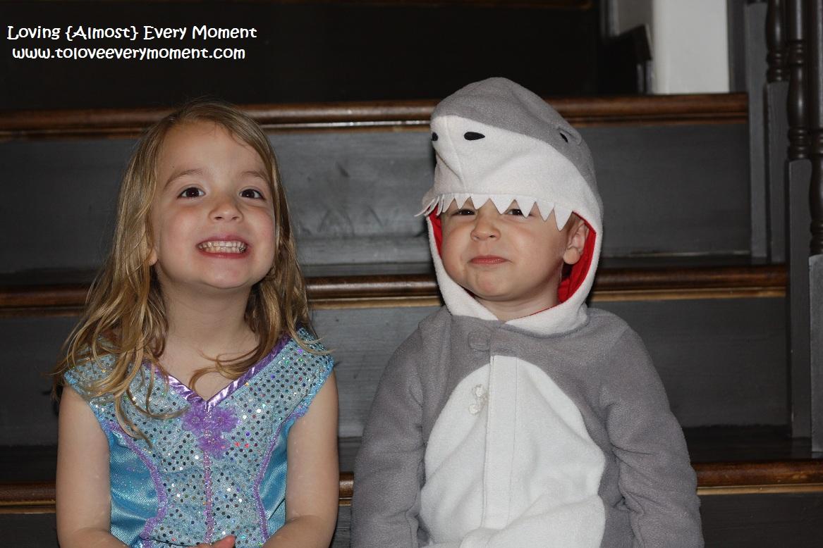 http://3.bp.blogspot.com/-QPIvqIHiojc/T5nzkr2QURI/AAAAAAAADa8/MnwkphnyPIk/s1600/OceanCritters.jpg